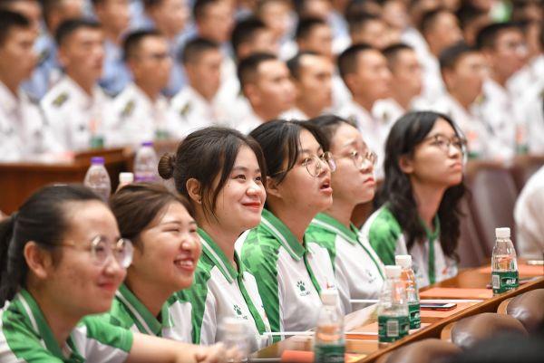 23.6万名志愿者已准备好了 军运会志愿服务吹响冲锋号