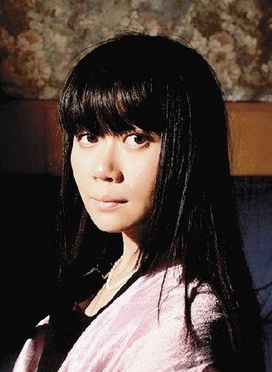 歌手吴虹飞谈关押生活:我认错,但绝不认罪