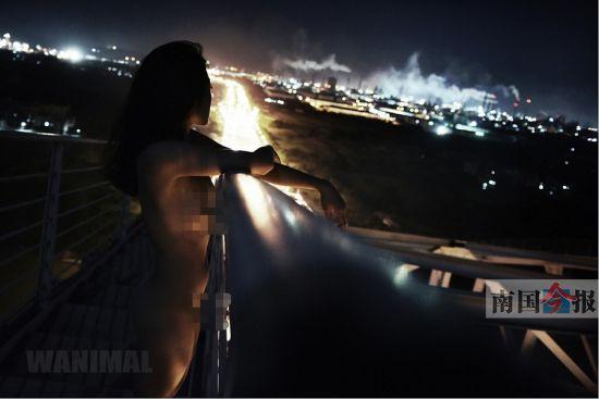 人体艺术裸体拍纱_白露大桥上的人体艺术照.